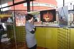 Ausstellung mit Fotos von Leser/innen an ungewöhnlichen Orten